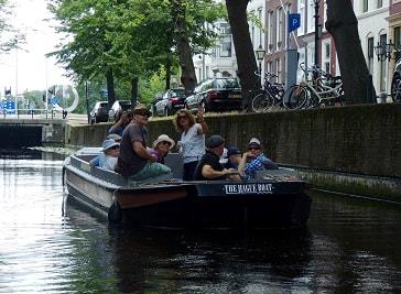 The Hague Boat